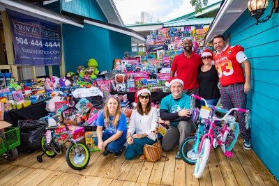 Toy Drive Duuuval House 6[1]