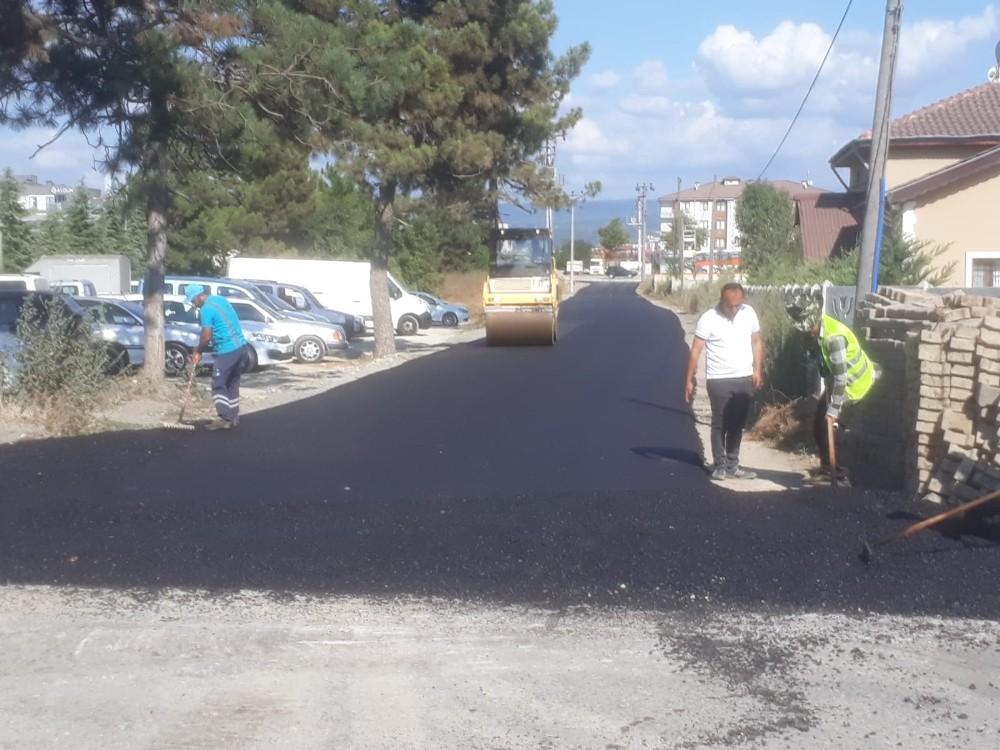Düzce Belediyesi asfaltlamaya devam ediyor