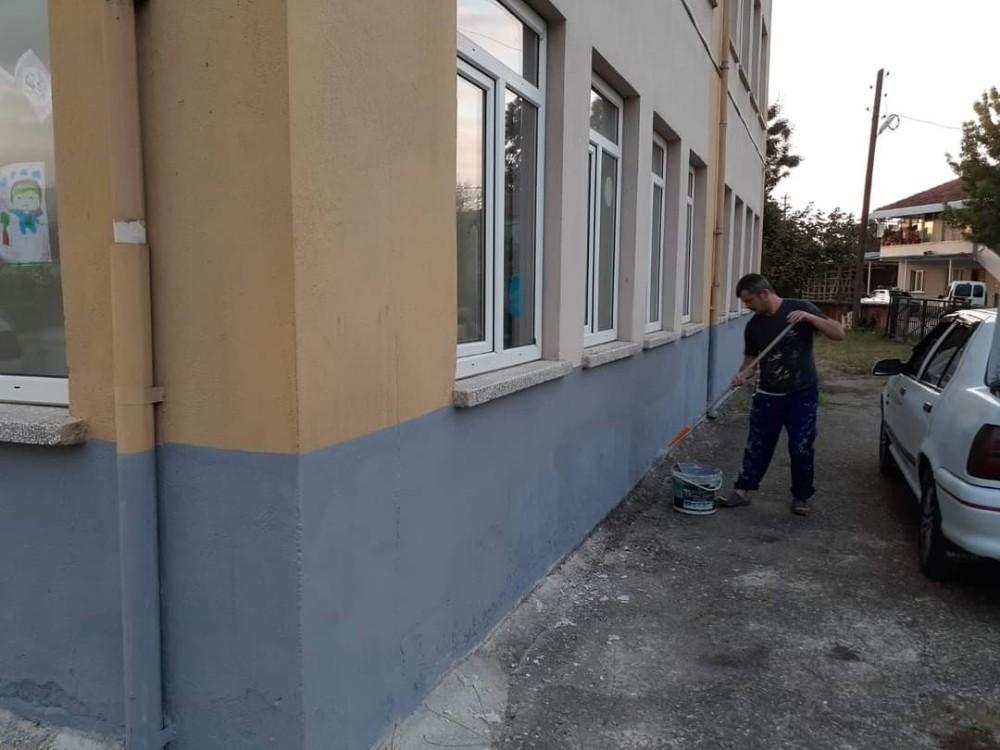 Okulda boyama çalışmaları yapıldı
