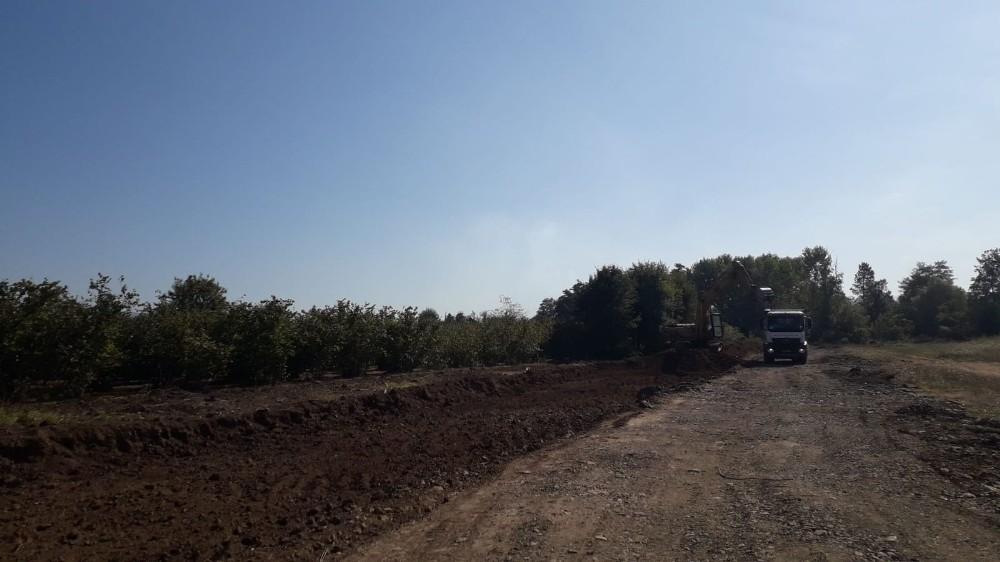 Sancaklar Mahallesi'nde yeni yol yapımı sürüyor