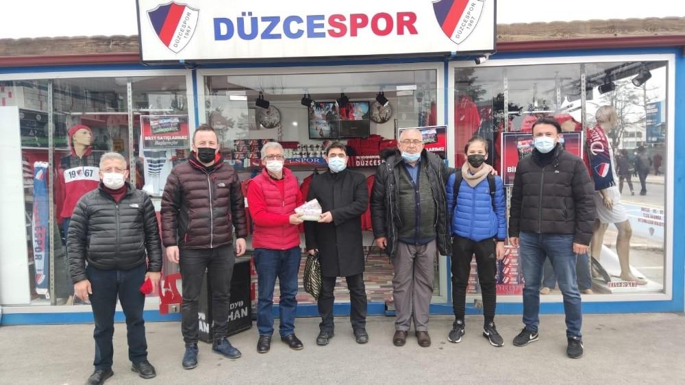 Kızılay yöneticileri Düzcespor'un yanında