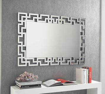 """Lo stile della camera da letto, indipendentemente dal fatto che sia """"classic"""" Specchi Di Design Per Camera Da Letto Bagno E Ingresso Duzzle"""