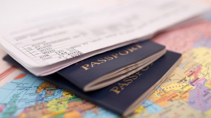 У Украины добавилось 14 стран по безвизу: обновлен рейтинг паспортов
