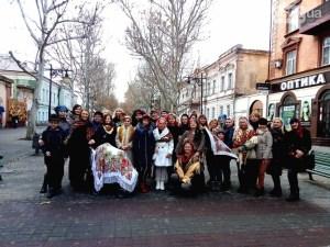 Херсонки в украинских платках попали в Книгу Рекордов Украины, как часть патриотической акции