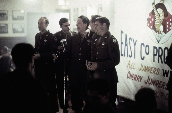 Band of Brothers (Tom Hanks, Steven Spielberg) Photos ...