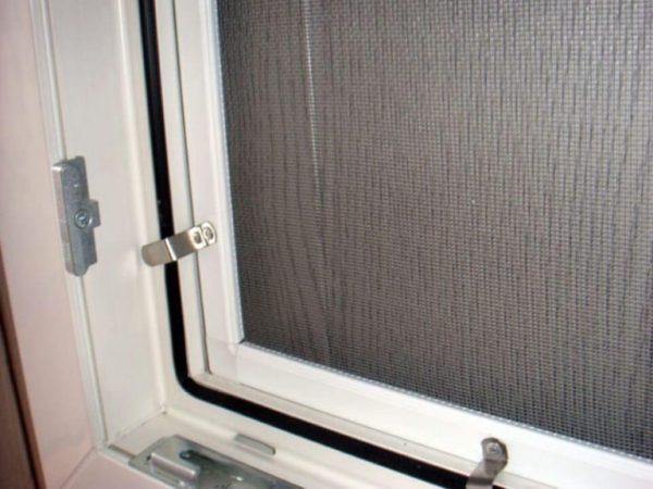 Москітні сітки Івано-Франківськ ціни на вікна на двері ролетні
