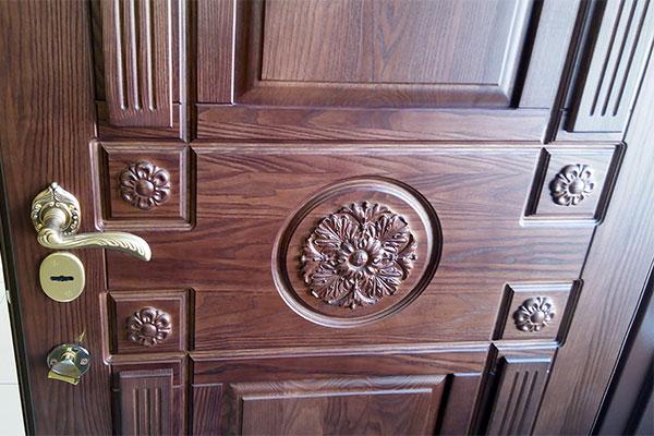 Межкомнатные двери из породы ясеня