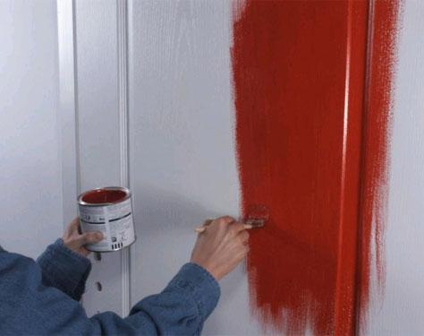 Покрасить межкомнатную дверь