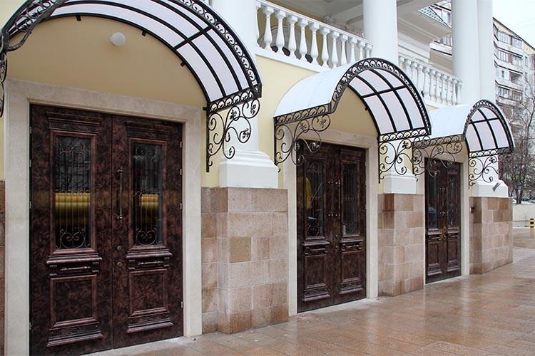 входные двери для ресторана