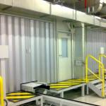 Алюминиевая перегородка в производственном помещении