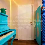 Крашенная белая дверь в детскую комнату