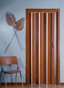 Раздвижная дверь гармошка цвета вишни