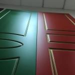Двери окрашенные с эффектом патины