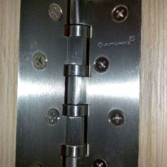 Элементы дверей и врезка универсальной петли