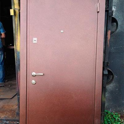 Входные металлические двери для строительных объектов