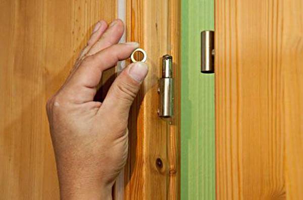 Как вскрыть межкомнатную дверь