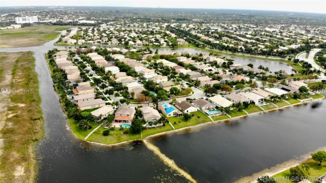 Property for sale at 14490 NW 16th St, Pembroke Pines,  Florida 33028