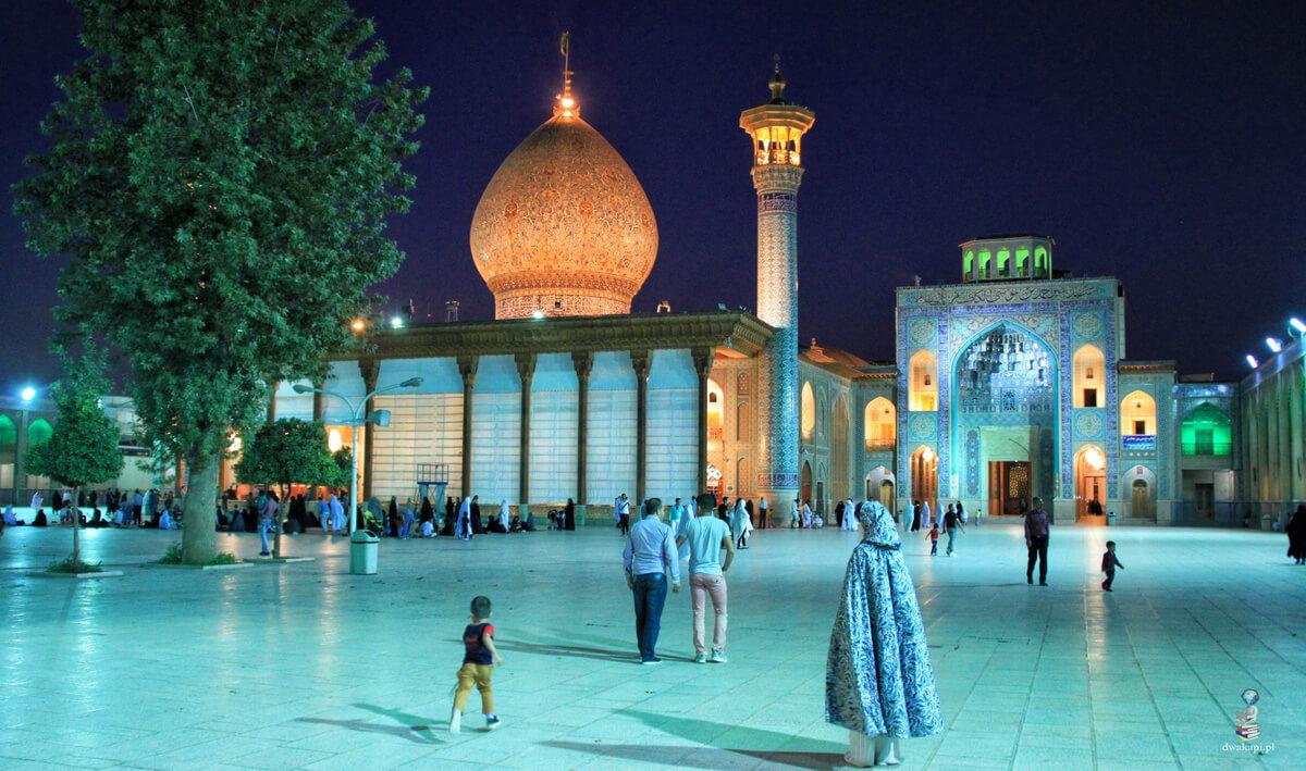 Notatki z Iranu. Sziraz, baśniowe meczety i dwie twarze islamu