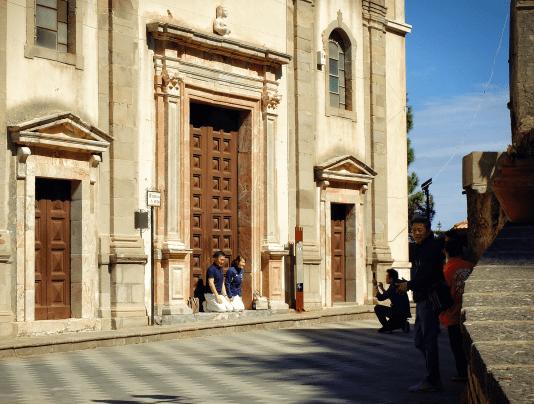 Obowiązkowe zdjęcie pod kościołem San Nicolo