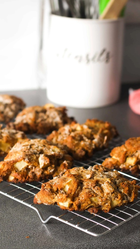 Dwardcooks healthy apple scones before glaze