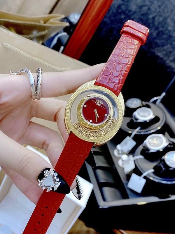 Đồng hồ Versace nữ dây da đỏ