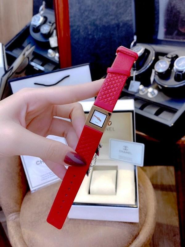 Đồng hồ Chanel nữ dây da