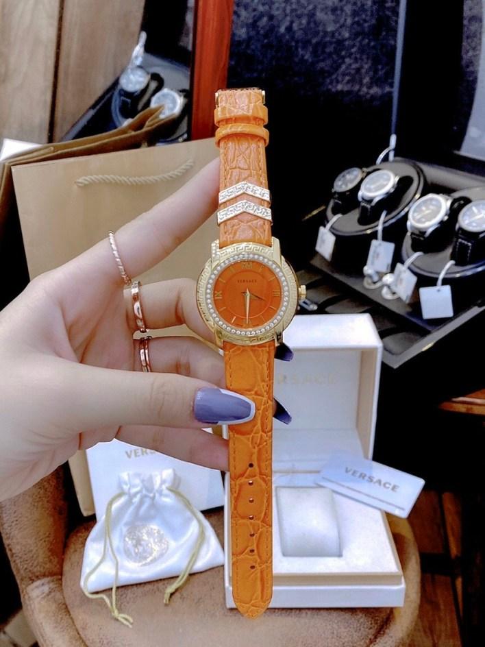 Đồng hồ Versace nữ dây da màu cam