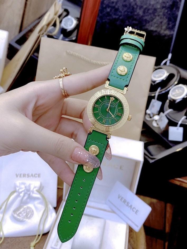 Đồng hồ Versace nữ dây da màu xanh