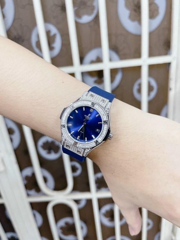 Đồng hồ Hublot nữ máy cơ