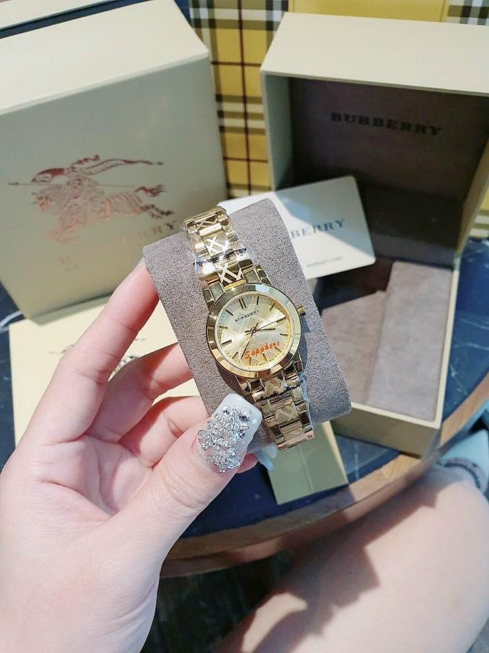 Đồng hồ Burberry nữ dây kim loại