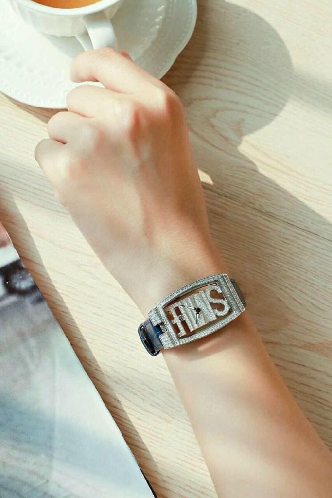 Đồng hồ Davena nữ đính đá D31629