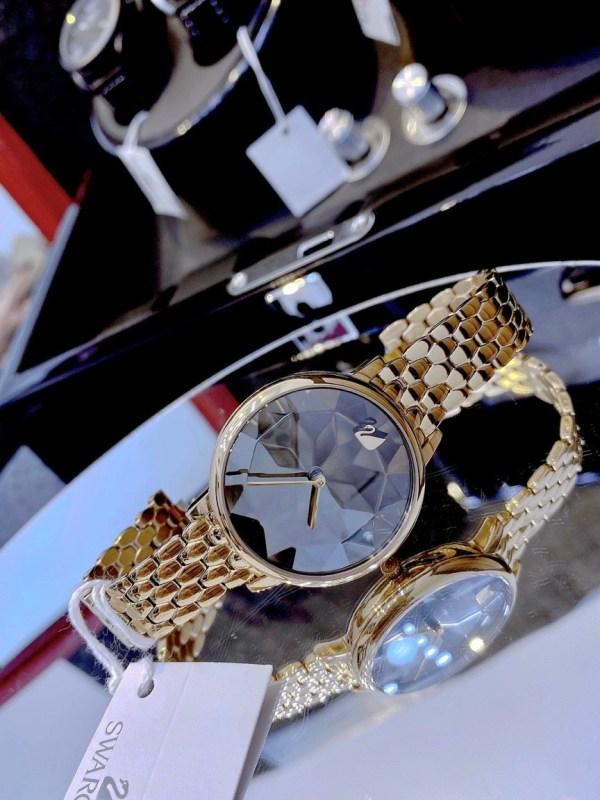 Đồng hồ nữ đẹp Swarovski