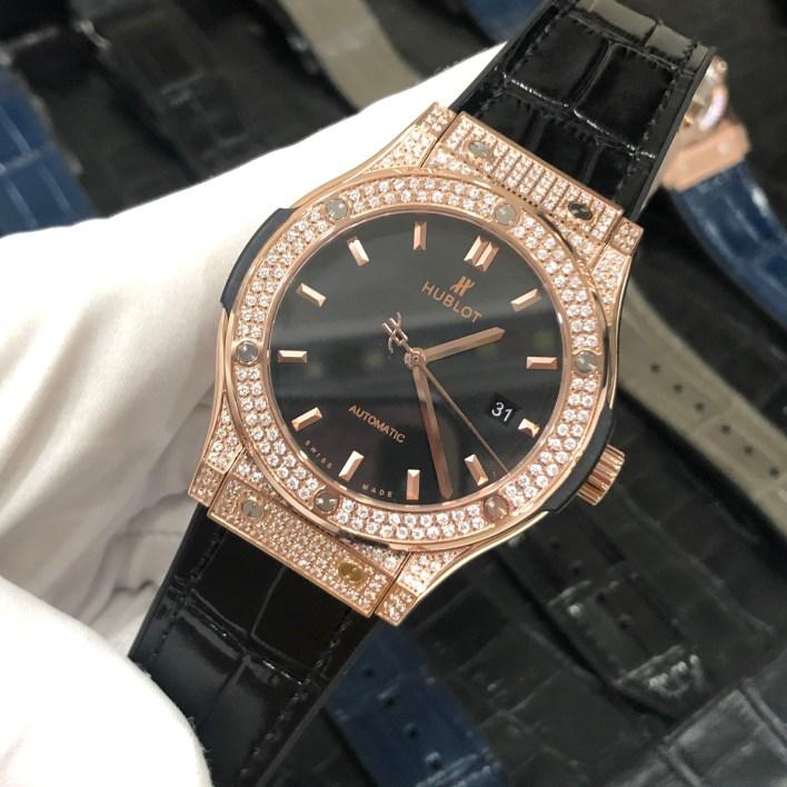 Đồng hồ Hublot Classic Fusion full diamond