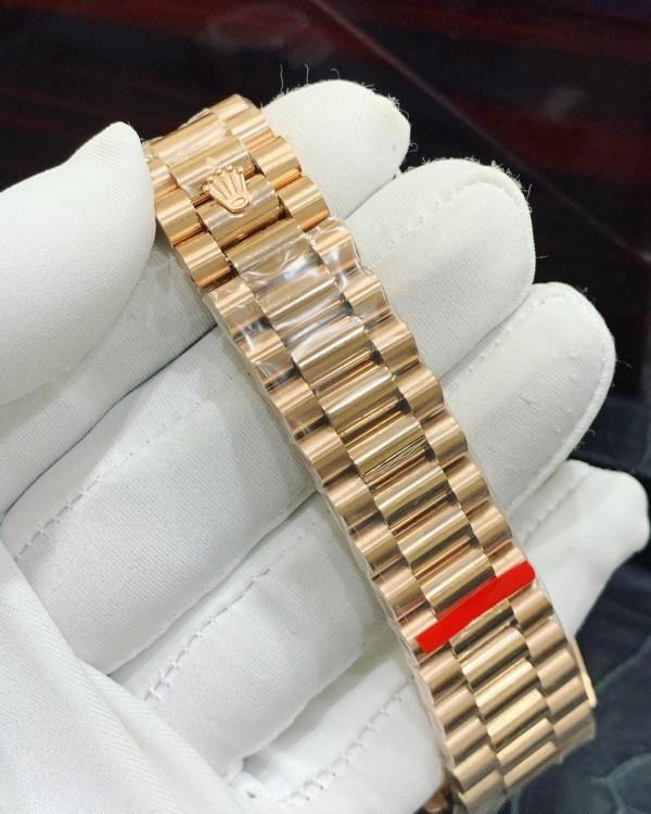 Đồng hồ Rolex dây kim loại