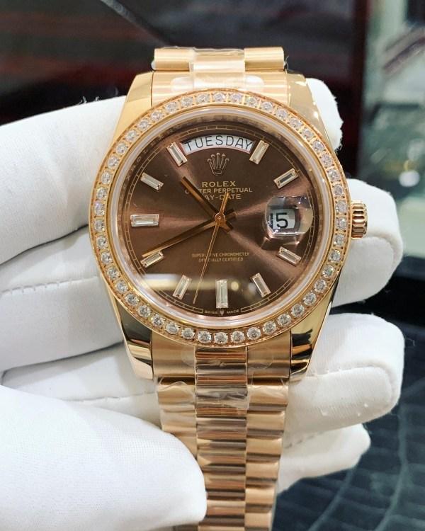 Đồng hồ Rolex đính đá