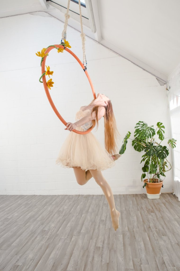 Sara McKenzie on the aerial hoop at Circus Hub Nottingham
