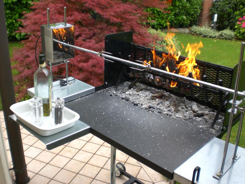 Barbecue a legna con girarrosto e spiedo in acciaio inox 304