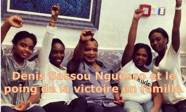 Denis Sassou Nguesso et le le poing de la victoire en famille  - Référendum constitutionnel au Congo-Brazzaville : le oui l'emporte à 92,96%