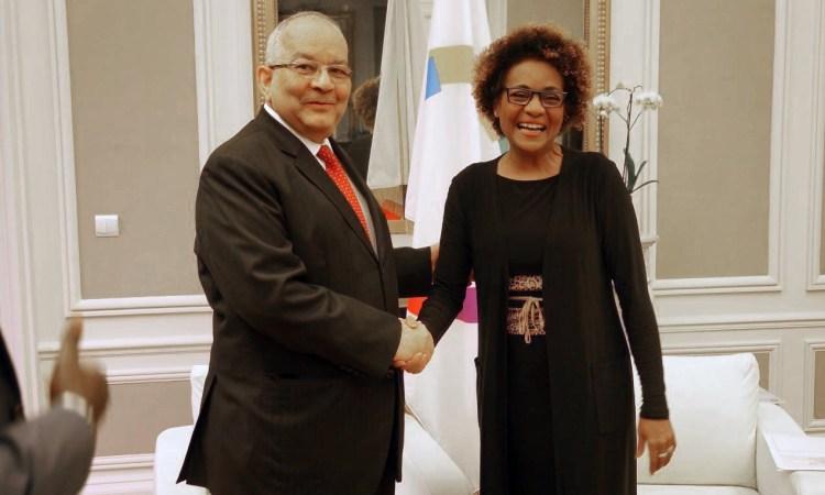 Ambassadeur Ahmad ALLAM MI MICHAELLE Jean 00011 - Conférence Paris Climat 2015 (COP21) : L'ambassadeur ALLAM-MI rend visite à MICHAELLE Jean