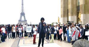 PARIS : MANIFESTATION DE SOUTIEN AU PRÉSIDENT RÉÉLU ALI BONGO ONDIMBA