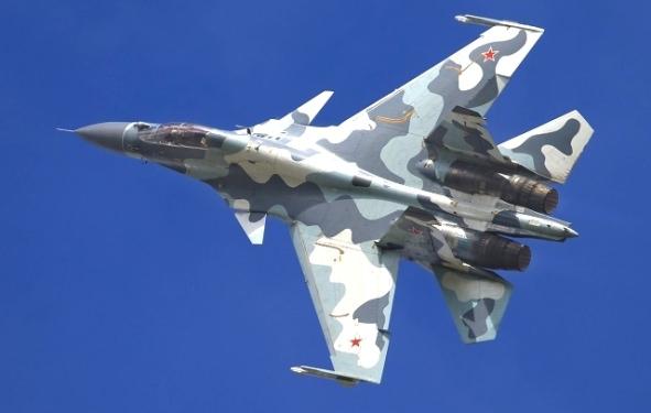 russe chasse - Algérie – Le pays se dote de 08 chasseurs russes SUKHOI 30