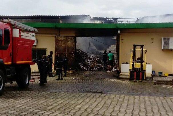 gabon loffice pharmaceutique national reduit en cendres - Gabon : L'Office pharmaceutique national réduit en cendres