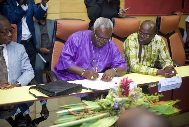 gabon le gouvernement obtient une treve sociale avec les regies financieres - Gabon : Le gouvernement obtient une trêve sociale avec les régies financières