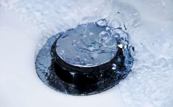 Lavabo, évier, douche: la bonde est un vrai nid à microbes!