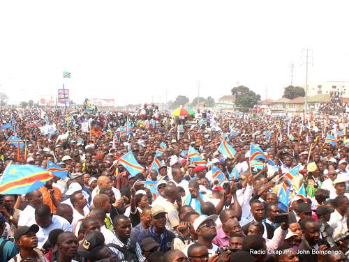 Le Phare : «Mardi 28 novembre 2017 : double marche Rassemblement-Majorité, Kimbuta entérine la confusion»