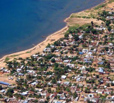 uvira un congolais et un burundais ecopent de 10 ans de prison pour activite insurrectionnelle - La Caritas Ecosse offre des vivres aux déplacés de Fizi