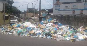 """Gabon! Libreville, poubelle à ciel ouvert et ses """"parfums agréables""""."""