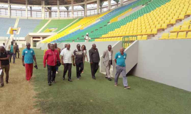 arton40296 - Stades : « L'Etat doit bien gérer les infrastructures sportives », d'après Alain-Claude Bilié-By-Nzé