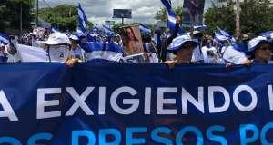 Des milliers d'opposants et de partisans d'Ortega manifestent au Nicaragua