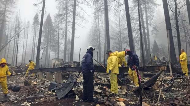 ETATS-UNIS: Après plus de deux semaines, l'incendie le plus meurtrier de Californie entièrement maîtrisé